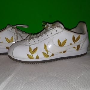 NIKE CORTEZ GOLD Floral Leaf Shoes 9.5 sneakers